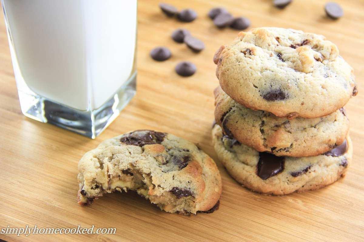Simply Homecooked – Jumbo Chocolate Chip Cookies